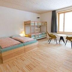 Отель Youth Hostel St. Moritz Швейцария, Санкт-Мориц - отзывы, цены и фото номеров - забронировать отель Youth Hostel St. Moritz онлайн комната для гостей фото 2