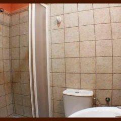 Отель Hostal Torre de Guzman Испания, Кониль-де-ла-Фронтера - отзывы, цены и фото номеров - забронировать отель Hostal Torre de Guzman онлайн ванная фото 2