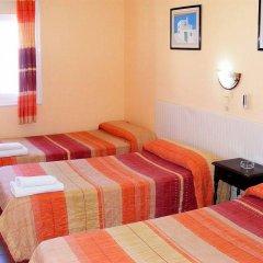 Отель Hostal Horizonte Ес-Кастель комната для гостей фото 4
