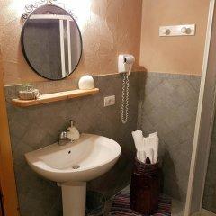 Отель Maison Du-Noyer Италия, Аоста - отзывы, цены и фото номеров - забронировать отель Maison Du-Noyer онлайн ванная