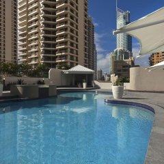 Отель Novotel Surfers Paradise бассейн