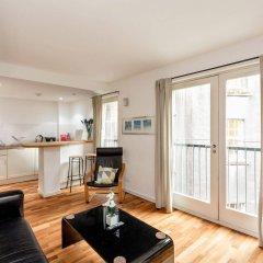 Апартаменты Silver Lining - Mile Apartments Эдинбург комната для гостей фото 3