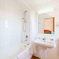 Отель azuLine Hotel Galfi Испания, Сан-Антони-де-Портмань - 1 отзыв об отеле, цены и фото номеров - забронировать отель azuLine Hotel Galfi онлайн ванная