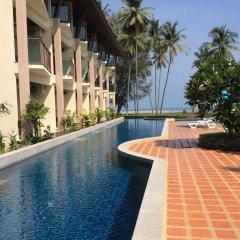 Отель Lanta Pura Beach Resort бассейн