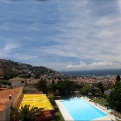 Отель Grecs Испания, Курорт Росес - отзывы, цены и фото номеров - забронировать отель Grecs онлайн бассейн фото 2
