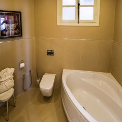 Majestic Hotel in Tunis, Tunisia from 82$, photos, reviews - zenhotels.com bathroom