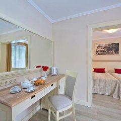 White Rock Castle Suite Hotel удобства в номере