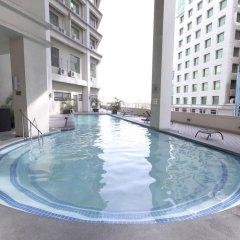 Mandarin Plaza Hotel бассейн