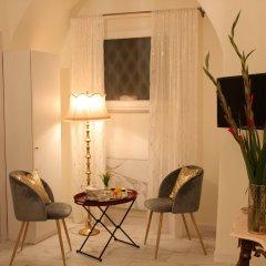 Отель Ingrami Suites в номере