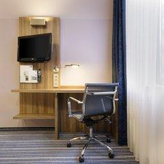 Отель Holiday Inn Express Frankfurt City Hauptbahnhof удобства в номере фото 3