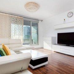 Отель Akira Flats Fira Gran Via Barcelona Оспиталет-де-Льобрегат комната для гостей фото 4