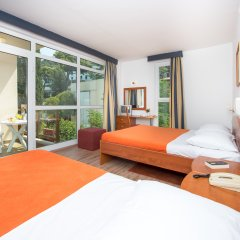 Hotel Vis комната для гостей