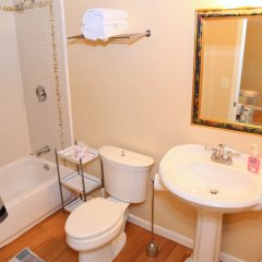 Отель Wilshire Vista США, Лос-Анджелес - отзывы, цены и фото номеров - забронировать отель Wilshire Vista онлайн ванная