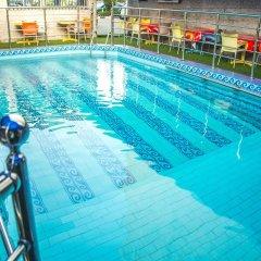 Tokyu Grand Hotel бассейн