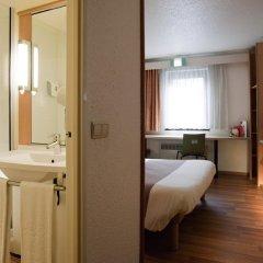 Отель Ibis Berlin Messe Германия, Берлин - отзывы, цены и фото номеров - забронировать отель Ibis Berlin Messe онлайн ванная