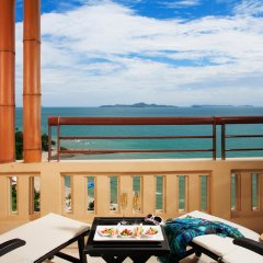 Отель Centara Grand Mirage Beach Resort Pattaya Таиланд, Паттайя - 11 отзывов об отеле, цены и фото номеров - забронировать отель Centara Grand Mirage Beach Resort Pattaya онлайн балкон