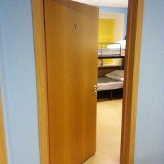 Light Dream Hostel сейф в номере