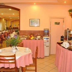 Отель Bretagne Греция, Корфу - 4 отзыва об отеле, цены и фото номеров - забронировать отель Bretagne онлайн питание