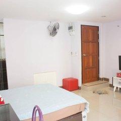 Отель Zen Rooms Mahajak Residence Бангкок комната для гостей фото 5