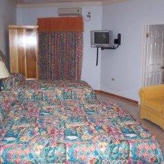 Отель Holiday Haven комната для гостей