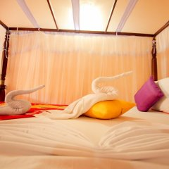 Отель Frangipani Motel фитнесс-зал