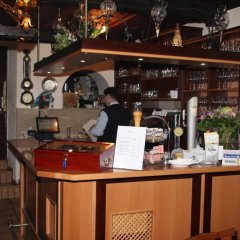 Отель Gasthaus zum Brandtner Австрия, Вена - отзывы, цены и фото номеров - забронировать отель Gasthaus zum Brandtner онлайн гостиничный бар