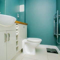 Отель Modern 2 Bedroom Flat In Greenwich ванная фото 2