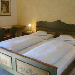 Отель Gasthof Wastl Аппиано-сулла-Страда-дель-Вино сейф в номере