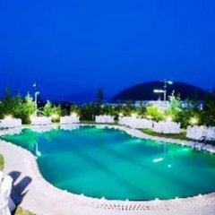 Parnis Palace Hotel Suites бассейн