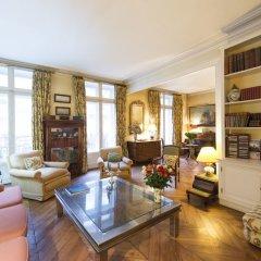 Отель Charming Bonaparte развлечения
