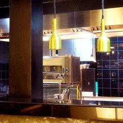 Отель Blue Water Club Suites гостиничный бар