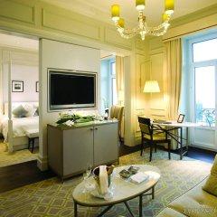 Отель Fairmont Le Montreux Palace комната для гостей