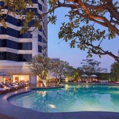 Отель Grand Hyatt Erawan Bangkok Таиланд, Бангкок - 1 отзыв об отеле, цены и фото номеров - забронировать отель Grand Hyatt Erawan Bangkok онлайн бассейн
