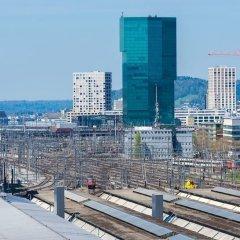 Отель flat at Zurich MainStation балкон