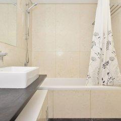 Отель Sunny & Bright Amoreiras Apartment Португалия, Лиссабон - отзывы, цены и фото номеров - забронировать отель Sunny & Bright Amoreiras Apartment онлайн ванная
