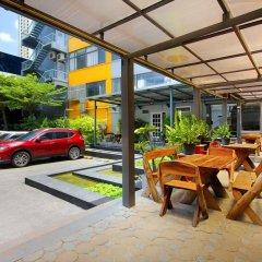 Отель D Varee Xpress Makkasan Бангкок парковка
