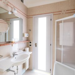 Отель Apollo Hotel Terme Италия, Региональный парк Colli Euganei - отзывы, цены и фото номеров - забронировать отель Apollo Hotel Terme онлайн ванная фото 2