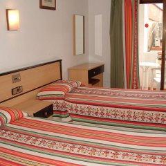 Отель La Cala Испания, Курорт Росес - отзывы, цены и фото номеров - забронировать отель La Cala онлайн комната для гостей фото 4