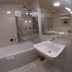 Отель Art Suites Spalena Чехия, Прага - отзывы, цены и фото номеров - забронировать отель Art Suites Spalena онлайн ванная