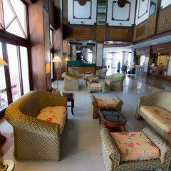 Отель Grand Sole Pattaya Beach Hotel Таиланд, Паттайя - отзывы, цены и фото номеров - забронировать отель Grand Sole Pattaya Beach Hotel онлайн интерьер отеля