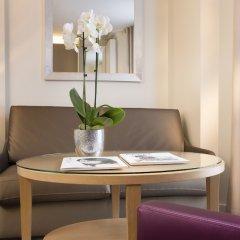 Отель Garden Elysee Париж в номере фото 2