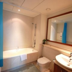 Отель Kennedy Towers - Aurora ванная