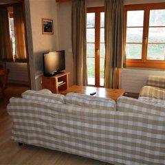 Отель Jacqueline 1 - Three Bedroom Швейцария, Гштад - отзывы, цены и фото номеров - забронировать отель Jacqueline 1 - Three Bedroom онлайн комната для гостей