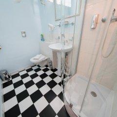 Отель Prague Loreta Residence Чехия, Прага - отзывы, цены и фото номеров - забронировать отель Prague Loreta Residence онлайн ванная фото 2
