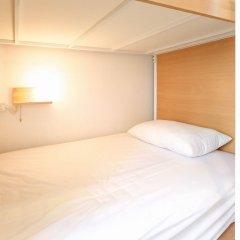 Simple to Sleep Hostel Бангкок комната для гостей