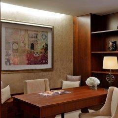 Отель The Ritz-Carlton, Dubai в номере