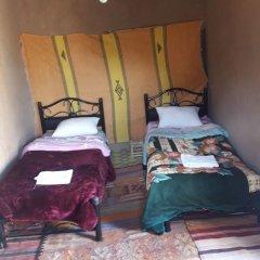 Отель Riad Tagmadart Ferme D'hôte Марокко, Загора - отзывы, цены и фото номеров - забронировать отель Riad Tagmadart Ferme D'hôte онлайн комната для гостей фото 5