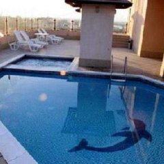 Dolphin Hotel Apartments бассейн