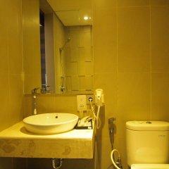 Bedrock Hotel Kuta Bali ванная