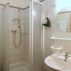 Отель Flora Чехия, Марианске-Лазне - отзывы, цены и фото номеров - забронировать отель Flora онлайн ванная фото 2